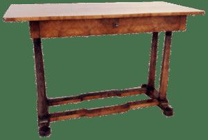 Nussbaum Schreibtisch