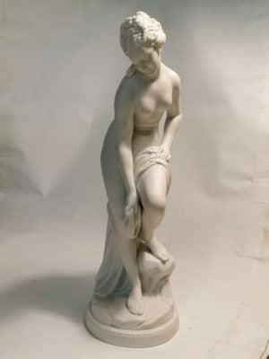 """""""VENUS im BADE"""" Porzellanfigur nach Canova"""